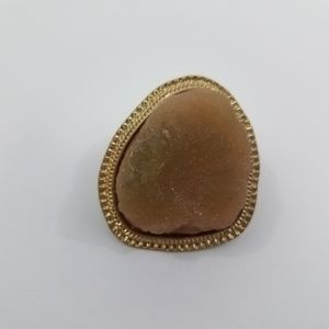 ! Chicos Stone Geode Ring Gold Tone Stretchy Elast